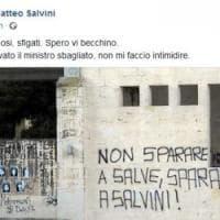 'Spara a Salvini', il vicepremier risponde alle scritte comparse a Lecce: