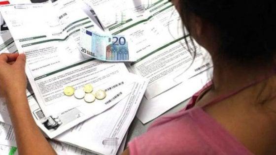 """Bonus sulle bollette, il Comune di Bari aiuta le famiglie: """"Ecco come accedere alle agevolazioni"""""""
