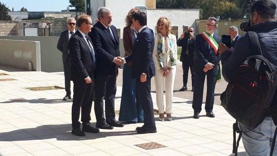 Conte-Emiliano, patto anti xylella da 500 milioni. E l'Eni sigla il maxi accordo col Cnr sulla ricerca