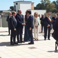 Conte-Emiliano, patto anti xylella da 500 milioni. E l'Eni sigla il maxi accordo col Cnr...