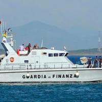 Migranti, in 25 su barca a vela sbarcano nel Basso Salento