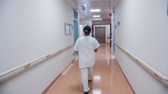 """""""Troppe assenze, assumiamo i figli in clinica al posto dei genitori"""": l'iniziativa della società di Foggia"""