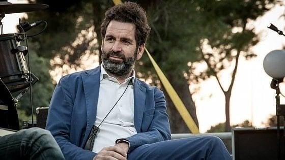 """Lecce, minaccia social all'ex sindaco Carlo Salvemini: """"Devi morire"""". La risposta: """"Prima o poi mi toccherà"""""""