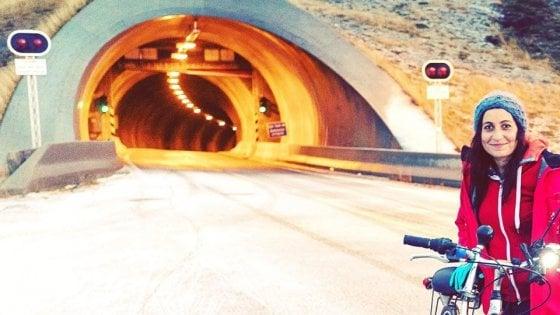 In bici da Barletta al Giappone: la 35enne Antonella parte in solitaria per aiutare l'Africa