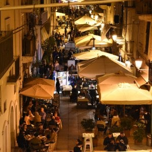 A Bari con il taxi collettivo sconti nei locali della movida della città vecchia
