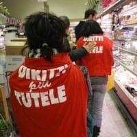 Centri commerciali aperti il 25 aprile e il Primo maggio, in Puglia la rivolta dei sindacati: