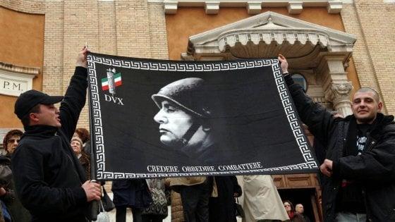 """Allarme neofascismo, la Regione Puglia avvia un monitoraggio: """"Vigiliamo contro casi di apologia"""""""