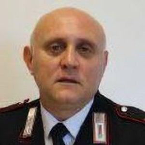 Foggia, bambina con il padre in caserma regala rosa e disegno per il carabiniere ucciso