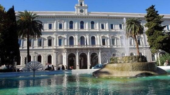 """Università di Bari, svolta plastic free: """"Fontanine per l'acqua e prodotti biodegradabili"""""""