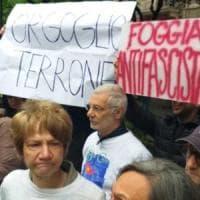 """Salvini a Foggia, i contestatori cantano 'Bella Ciao'. E il ministro: """"Io preferisco I..."""