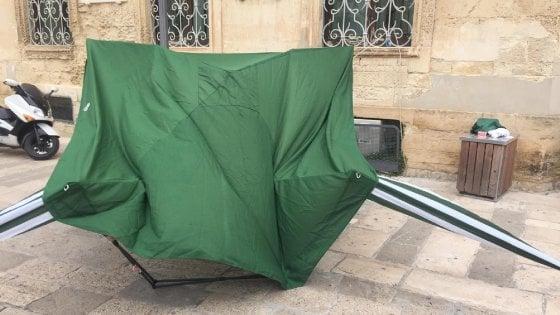 Assalto al gazebo della Lega a Lecce: in 8 identificati dall