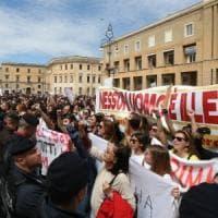 Salvini contestato in piazza a Lecce:
