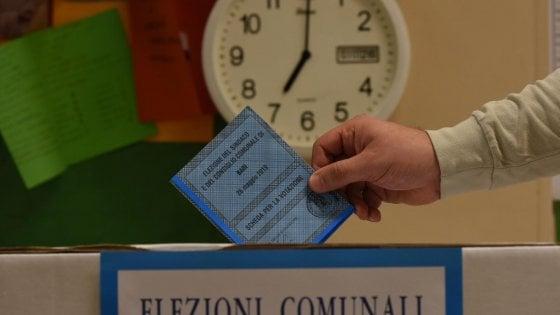 Elezioni in Puglia, dalle 7 seggi aperti. A Bari il voto anc