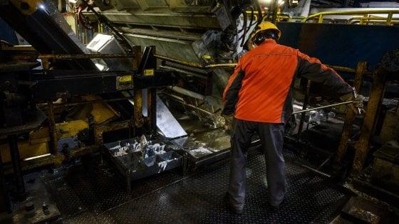 Ex Ilva, cassa integrazione per 1400 operai dal 1° luglio per 13 settimane: vertice ArcelorMittal e sindacati