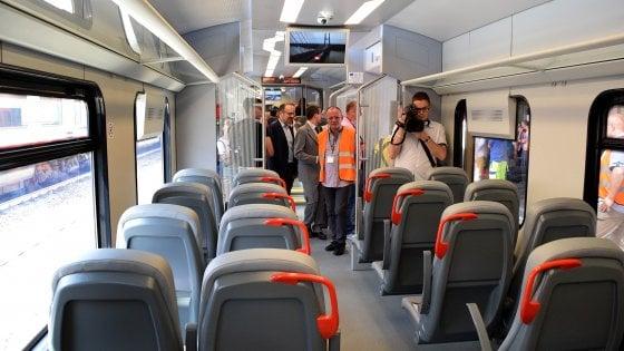 Ferrovie Sud Est, primo treno elettrico sulla tratta Bari-Putignano: più moderno ed ecologico