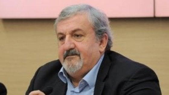 Michele Emiliano indagato per abuso d'ufficio: violazione della legge Severino