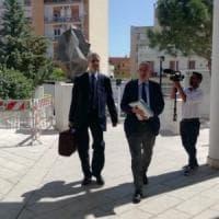 Al via il processo a Silvio Berlusconi a Bari: stop della difesa ai microfoni di Radio...