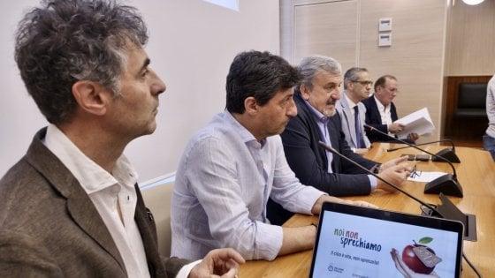 Frigo solidale nei condomini e cibo donato dalle mense: in Puglia le azioni contro gli sprechi alimentari