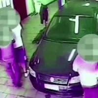 Bari, due studenti picchiati da una baby gang: 7 denunciati, c'è anche