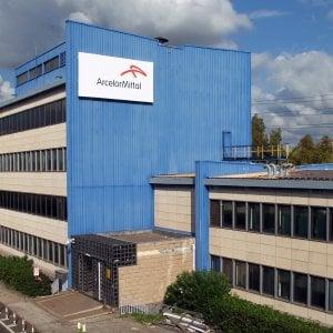"""Arcelor Mittal contro il governo: """"Senza immunità penale impossibile gestire Taranto"""""""