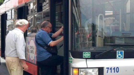 """""""L'aria condizionata sui bus non va? Aprite i finestrini"""": a Bari la direttiva per i mezzi pubblici"""