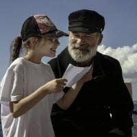 Nel mare del Salento spunta Capitan Findus: giro in barca con gli studenti