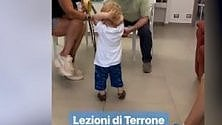 Fedez e la Puglia, lezione  'di terrone' al figlio Leone