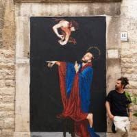 Giornata del rifugiato, street art ad Andria: San Matteo indica la via per l'accoglienza