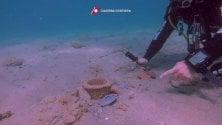 Brindisi, tesoro in mare trovate antiche anfore