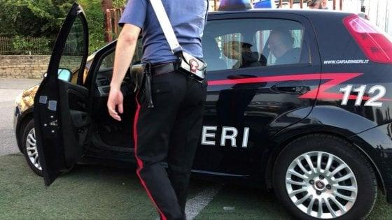 Brindisi, lettere con proiettili e richieste di denaro a due persone: arrestato il postino