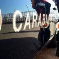 Bari, prenota un incontro pubblicizzato sul web e per due volte lega e violenta la massaggiatrice: arrestato
