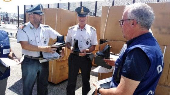 Contraffazioni, 18mila paia di Dr.Martens false sequestrate al porto di Brindisi