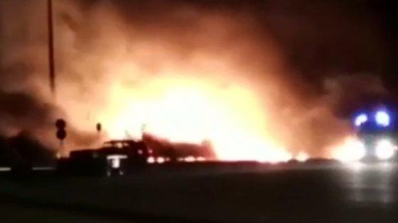 San Giovanni Rotondo, maxi incendio distrugge 33 mezzi per la raccolta dei rifiuti