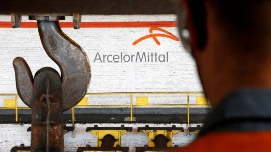 """Arcelor Mittal: """"Tornerà immunità penale su Taranto: il governo ce lo ha assicurato"""". Il Mise: """"E' falso"""""""