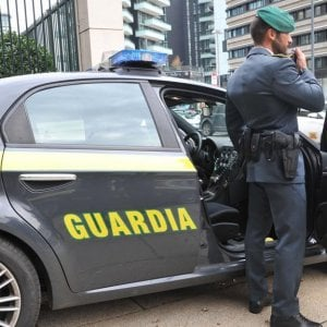 Taranto, scoperto falso cieco: prendeva l'indennità dal 2002 ma vedeva benissimo