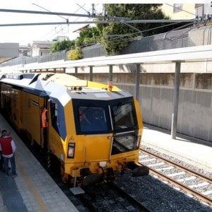 Lecce, 21enne in stato di ebbrezza investito da un treno: perderà una mano