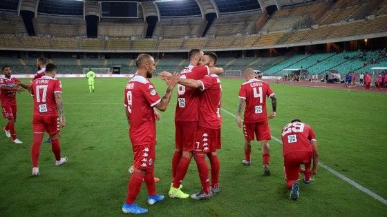 Calcio, il Bari già nel segno di Antenucci: una doppietta stende la Paganese 3-2