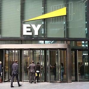 Bari, lo sbarco di Ernst & Young: previste duecento assunzioni