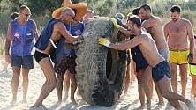 Pneumatici, reti e scarpe rifiuti nei fondali di Puglia