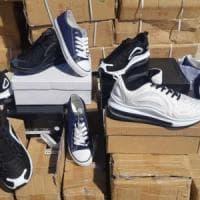 Bari, Nike e Converse contraffatte: sequestrato nel porto un carico di 10
