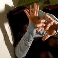 Foggia, da tempo picchiava la compagna incinta: arrestato 22enne anche se