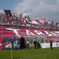 Calcio, a Taranto l'abbonamento 'sospeso': la colletta dei tifosi per donare