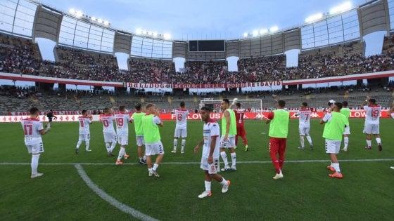 02/09/19 Il Bari crolla al San Nicola battuto 3-1 dalla Viterbese: difesa disastrosa, non basta il g 193036681-48cc4f6a-9396-41c2-839c-fa899dab8a1f