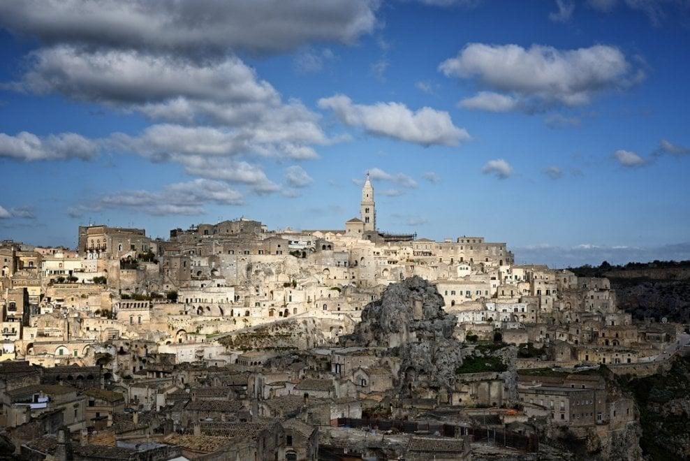 Castel del Monte, i trulli e i Sassi di Matera: in un tour la meraviglia dei siti Unesco