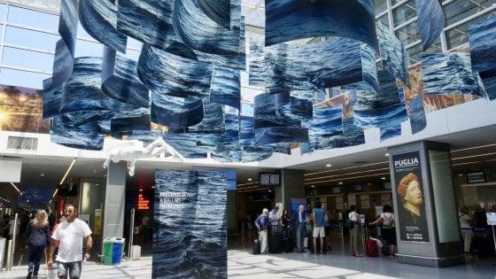 Turismo, in Puglia 900mila passeggeri ad agosto negli aeroporti di Bari e Brindisi