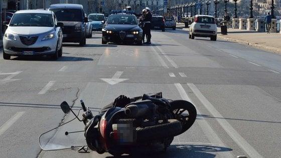 Bari, semafori rossi sul lungomare per fermare le auto che corrono: ok ai rilevatori di velocità