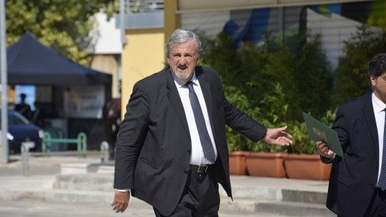 """Regionali in Puglia, Emiliano sull'asse Pd-M5s: """"Serve un mio passo indietro? Neanche per sogno"""""""