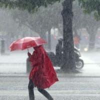 Allerta meteo sulla Puglia: vento forte e temporali spazzano via l'estate