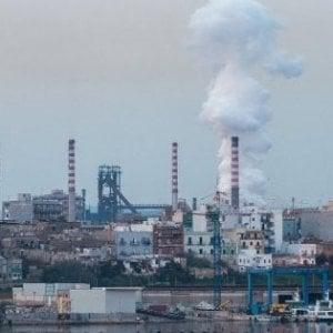 """Ex Ilva di Taranto, dossier degli ambientalisti al premier Conte: """"E' prima fonte di CO2 in Italia"""""""