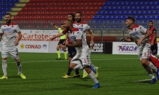 Il Bari con un gol di Simeri batte il Picerno, ma il gioco si vede solo a tratti. Domenica al San Nicola c'è la Cavese